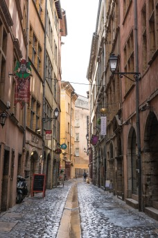 I love the way their are little restaurants around every corner. Lyon is France's capital of cuisine.
